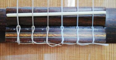 noeud cordes guitare classique